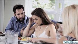 Barbatul este atras doar de bunaciuni adolescnete