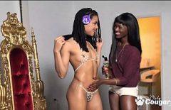 Doua Mulatre Sedinta Photo Cu Limbi In Vagine Si Masturbare