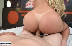 Brazilianca Blonda Calare Pe Pula