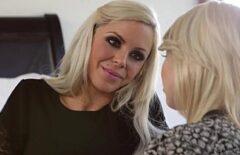 Nicoleta Are O Aventura Amoroasa Cu Prietena Ei Blonda